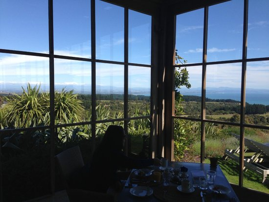 The Farm at Cape Kidnappers: Breakfast with a view!