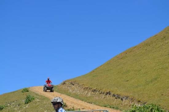 The Farm at Cape Kidnappers: Quad Bike Adventure with Aiden. Not a cloud in the sky!