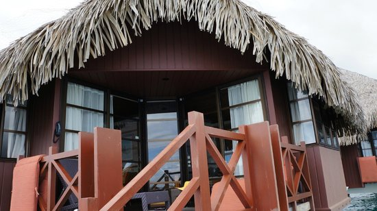 InterContinental Tahiti Resort & Spa: Our OWB from the front.