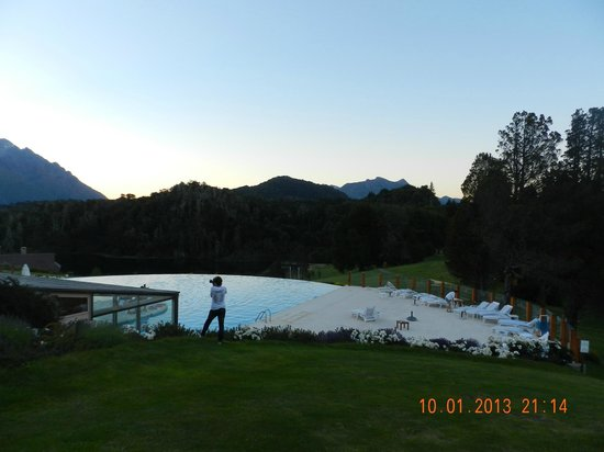 Llao Llao Hotel and Resort, Golf-Spa: Vista desde jardines
