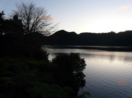 Lake Okareka Lodge by lebua: View at sunset