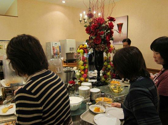 Miyako Hotel New Archaic: 1階レストラン