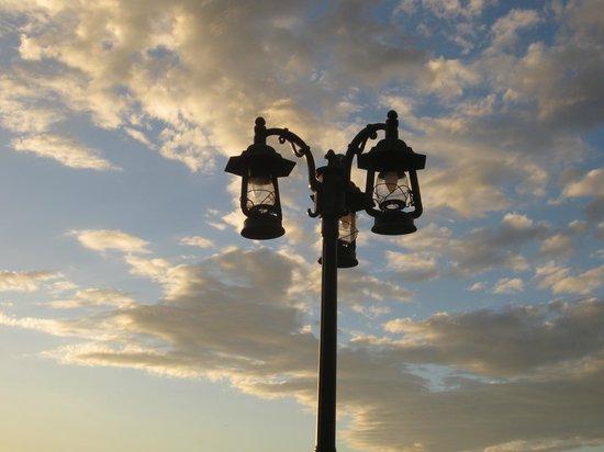 Amapala, Honduras: Roof deck lamppost