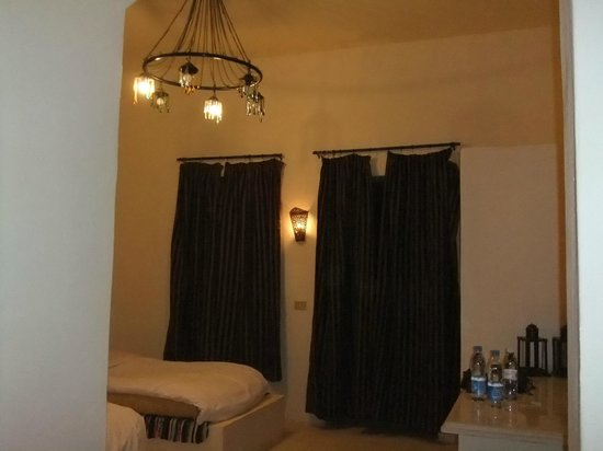 Sands Baharia: お部屋