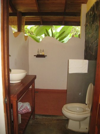 El Remanso Lodge: Bathroom