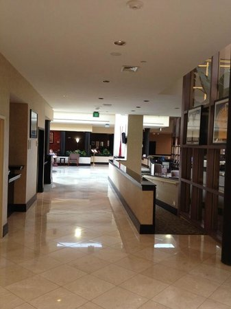 Holiday Inn Express Hotel & Suites Ft Lauderdale - Plantation: Lobby Corridor