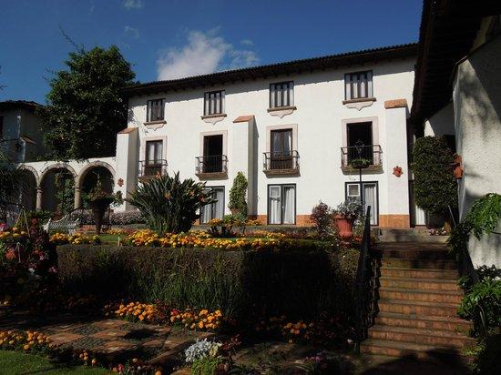 Hotel Mansion del Cupatitzio: Habitaciones.