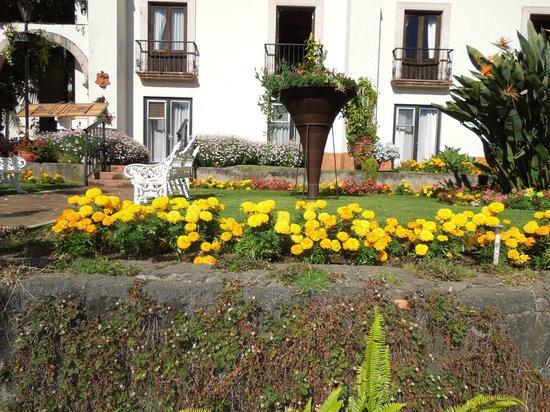 Hotel Mansion del Cupatitzio: Jardin.