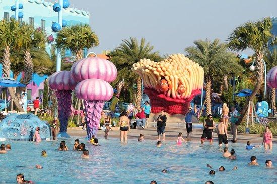 Disney's Art of Animation Resort: Wonderful pool!
