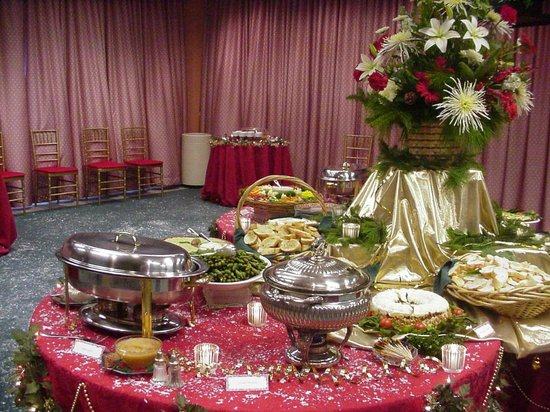 Aabee Persian & Mediterranean Restaurant: Christmas party set up