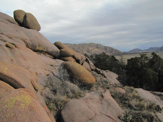 Quartz Mountain Nature Park: Beautiful rocks