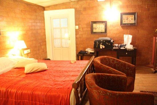 Lymond House: bedroom