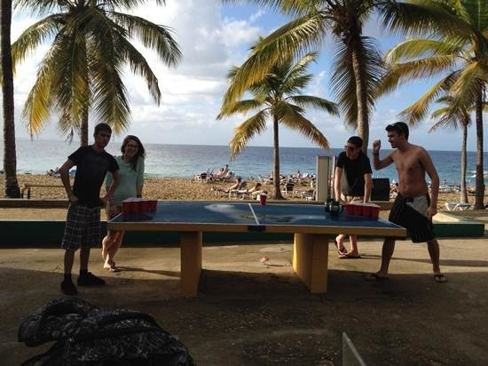 Casa Marina Beach & Reef: il y a des tables de Beer/Ping Pong