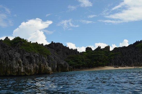 Lahos Island: Rocky cliffs (sharp too)