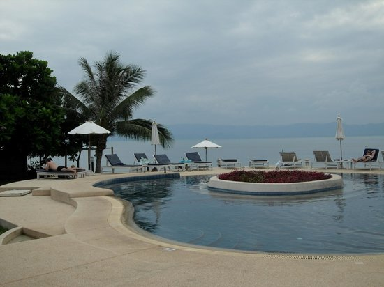 Buri Beach Resort: pool