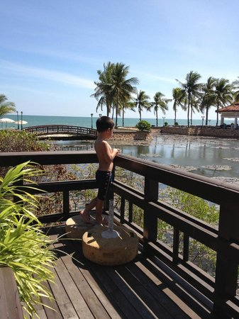Dusit Thani Hua Hin: Cooling breezes from the sea