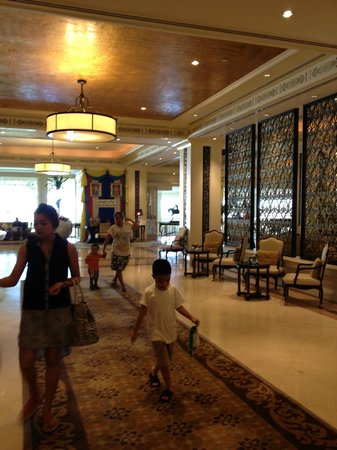 Dusit Thani Hua Hin: The lobby area