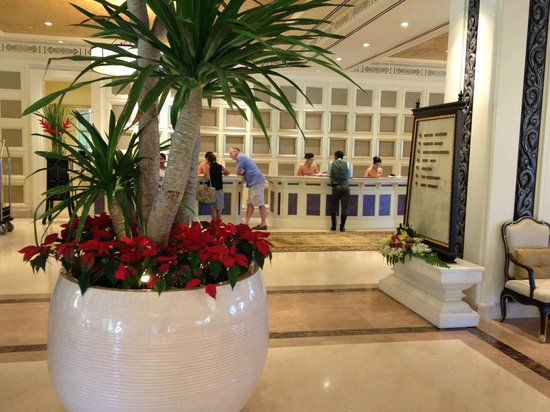 Dusit Thani Hua Hin: Reception