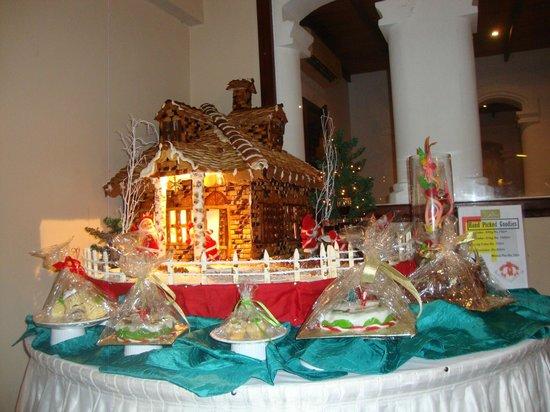 The Palms Hotel: Christmas Hut