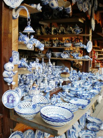 Izmailovsky Market: traditional russian ceramics