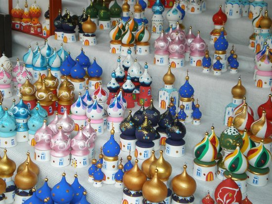 Izmailovsky Market : I loved these-I use them for christmas decorations