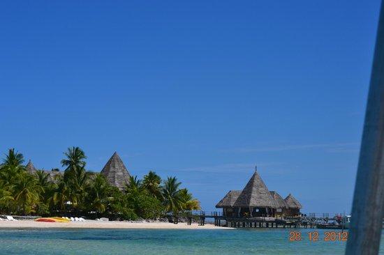 Tikehau Pearl Beach Resort: L'arrivée depuis le lagon