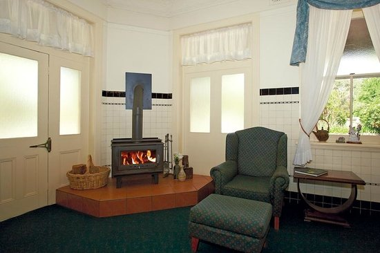 Abernethy, Australia: Lounge with fireplace