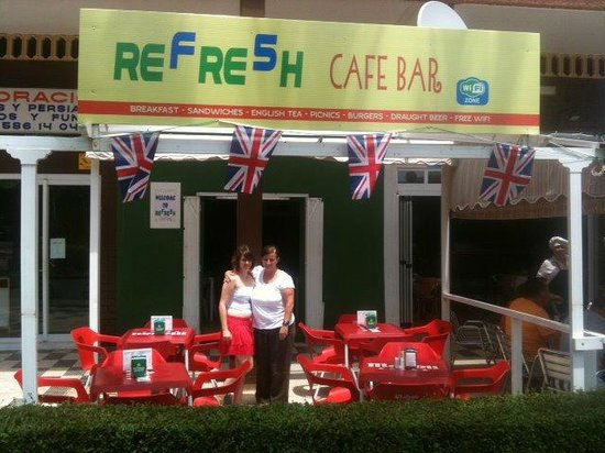 Refresh Cafe Bar: REFRE5H Cafe Bar