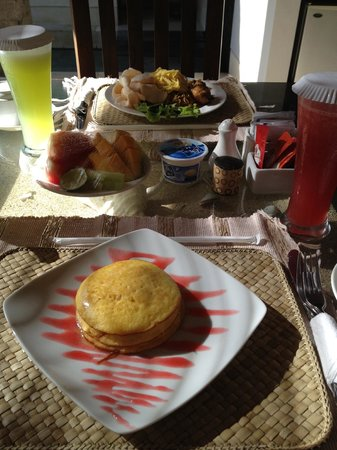The Buah Bali Villas: Pancakes and Indonesian set breakfast