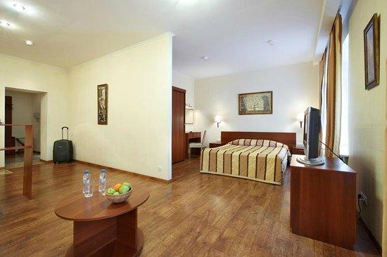 Palantin Hotel: Studio room