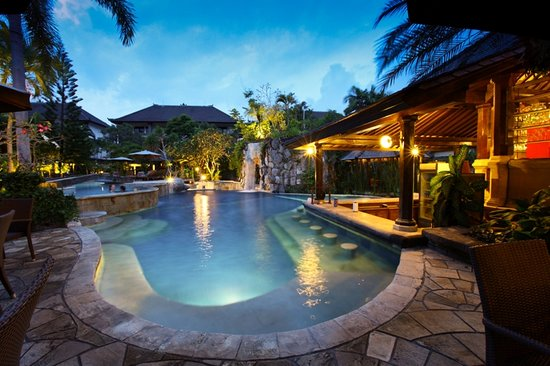 Hotel Vila Lumbung : Swimming Pool