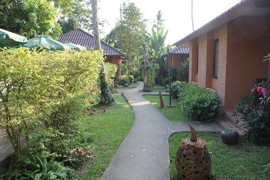 Floraville Phuket Resort
