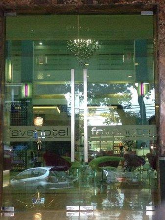 Favehotel Premier Cihampelas: The main door of the hotel