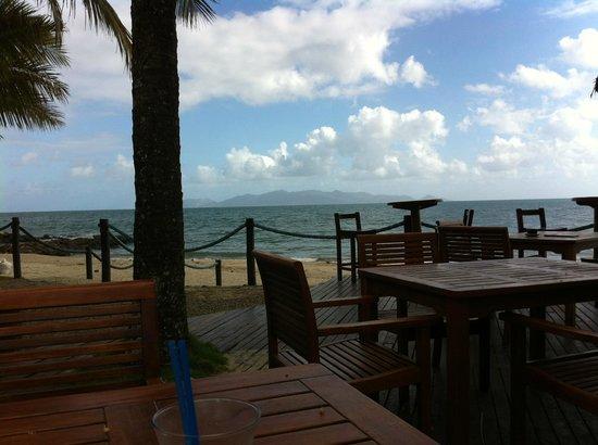 Uprising Beach Resort: View to Beqa island