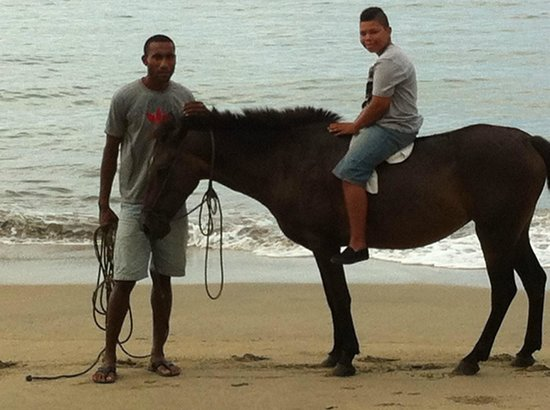 Uprising Beach Resort: Horseriding