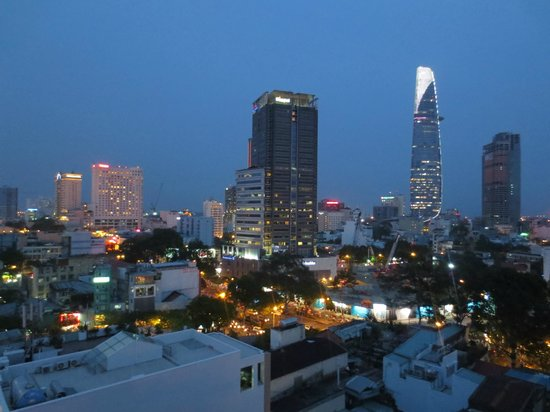 Liberty Central Saigon Centre Hotel: view from 10th floor Room