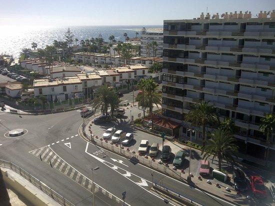 إيفا كونتيننتال هوتل: Near the beach
