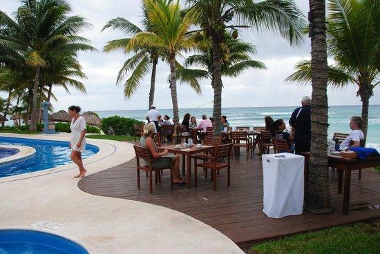 Mahekal Beach Resort: Frukost och lunchrestaurang
