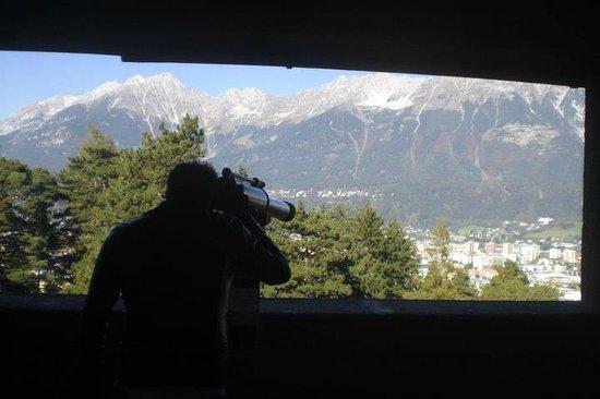 Tyrolis Hotel: Vista dallo Schloss Ambrass