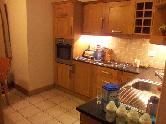 Great National Ballykisteen Golf Hotel: Good kitchen facilities