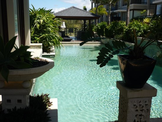 Colliers International Casuarina Beach : Pool area