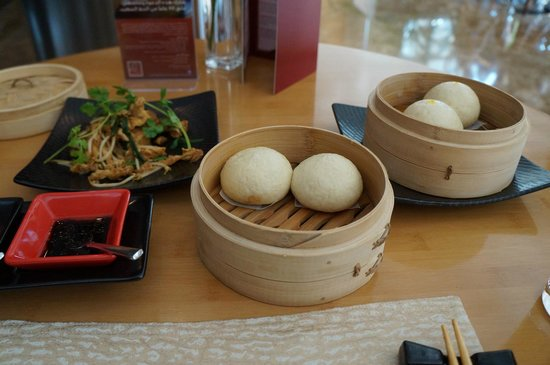 Wok Mee Noodle House: Identical looking buns that were not soft and fluffy.