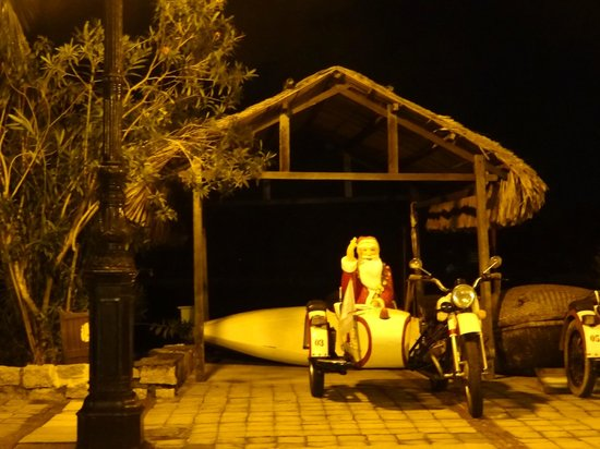 Victoria Hoi An Beach Resort & Spa: Santa in Sidecar