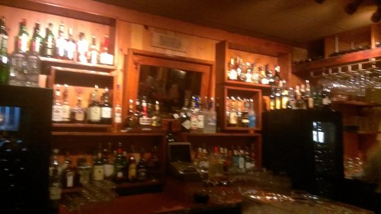 Copper Falls Steakhouse: Bar