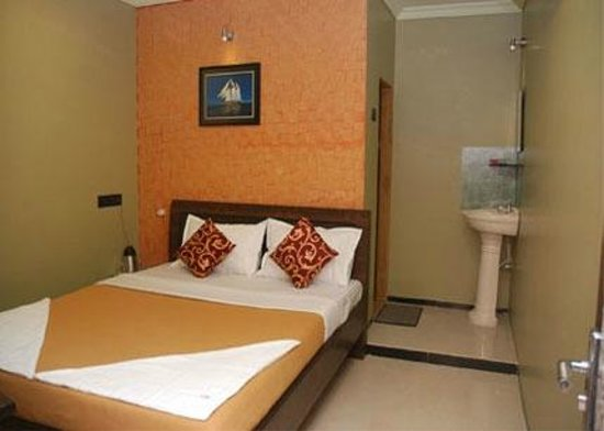 Hotel Impex Residency: Room Inside