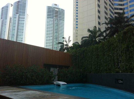 BEST WESTERN PLUS @ 20 Sukhumvit: dernier étage, petite piscine