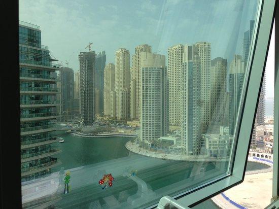 Dubai Marina Apartments: View from the window