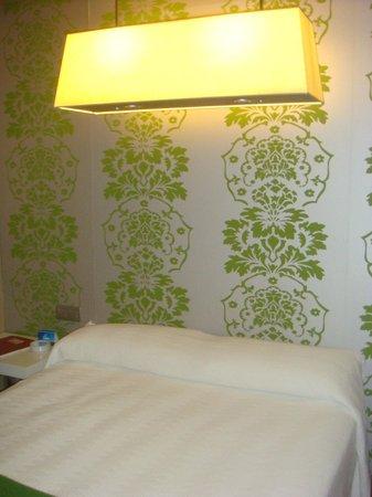 NH Madrid Principe de Vergara: camera - letto