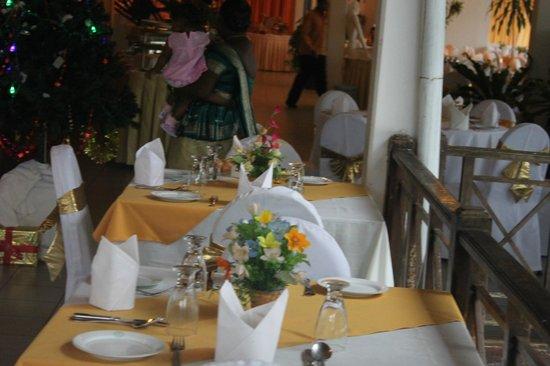โรงแรมอีเลเฟนท์พาร์ค: salle du restaurant