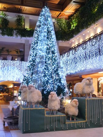 Princesa Yaiza Suite Hotel Resort: Reception decked out for Christmas period